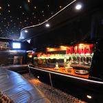 8 passenger cadillac limousine interior 2